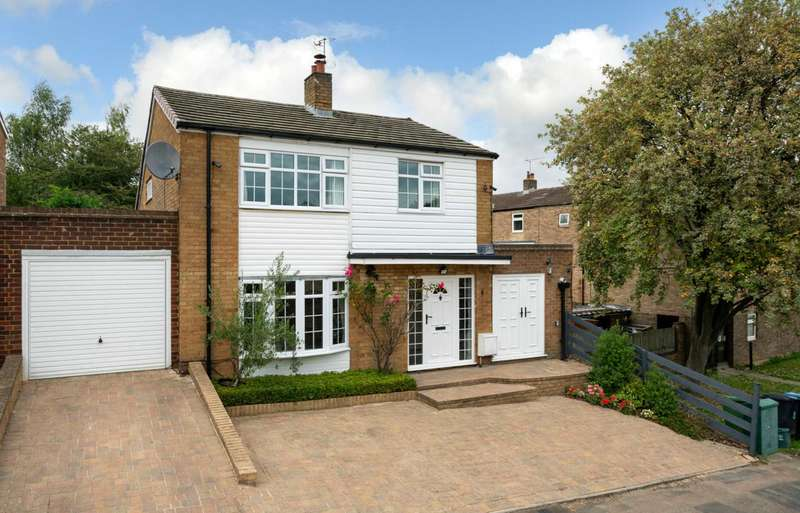5 Bedrooms Detached House for sale in EXTENDED 5 BED WITH GARAGE AND NO UPPER CHAIN.