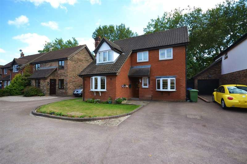 4 Bedrooms Detached House for sale in Northfields, Grays