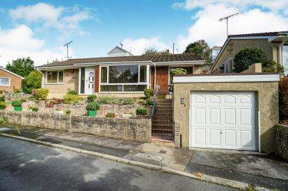 3 Bedrooms Bungalow for sale in Saltash, Cornwall