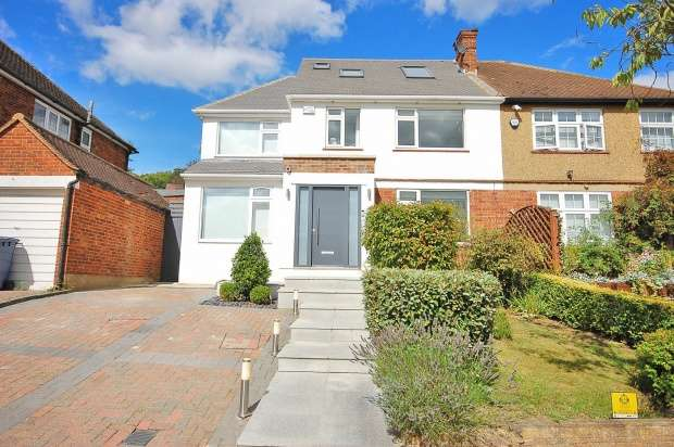 4 Bedrooms Semi Detached House for sale in The Reddings, London, Greater London, NW7 4JR