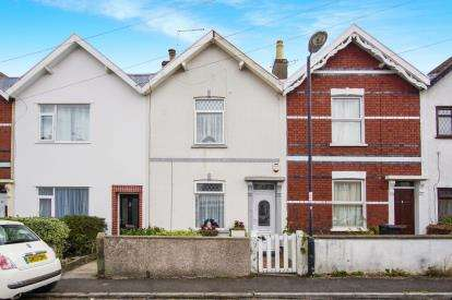 2 Bedrooms Terraced House for sale in Victoria Park, Kingswood, Bristol