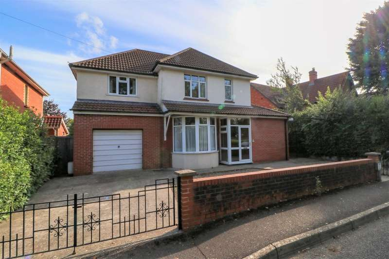 4 Bedrooms Detached House for sale in Portway, Street