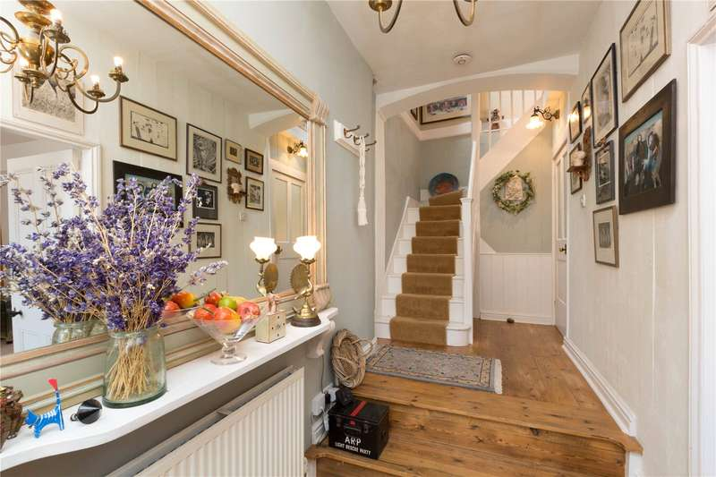 3 Bedrooms Terraced House for sale in London House, 5 Bull Street, Bishops Castle, Shropshire, SY9