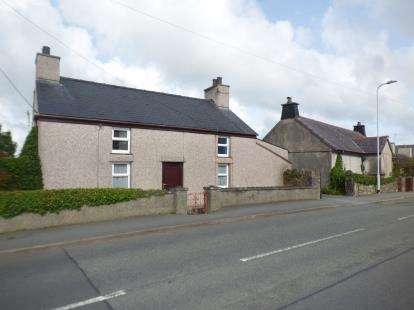 2 Bedrooms Detached House for sale in Rhosybol, Amlwch, Anglesey, North Wales, LL68