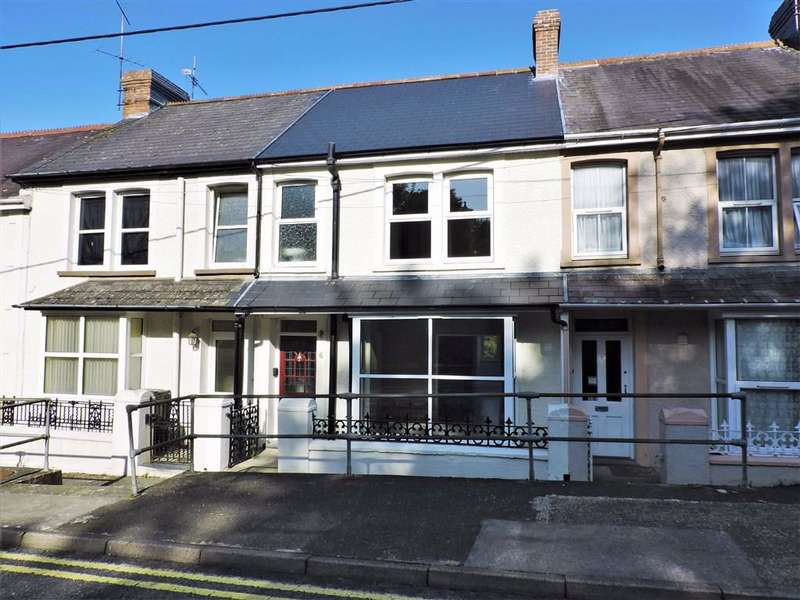 3 Bedrooms Terraced House for sale in Emlyn Terrace, Goodwick