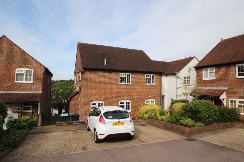 2 Bedrooms Maisonette Flat for sale in Chapel Cottages, Chapel Street