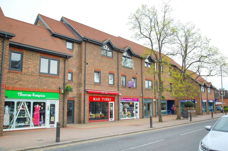 1 Bedroom Flat for sale in Prospect House, The Broadway, Farnham Common, SL2