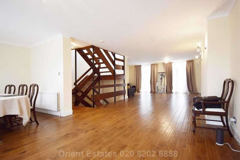 4 Bedrooms Town House for sale in Hornby Close, Swiss Cottage