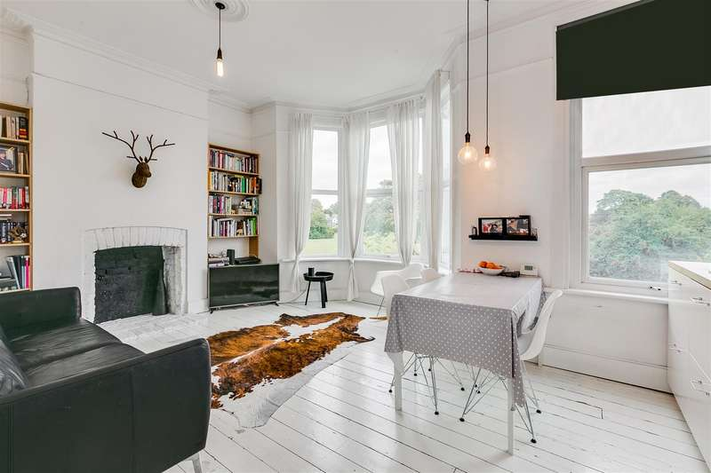3 Bedrooms Flat for sale in Chiswick Lane, London, W4