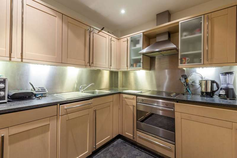 1 Bedroom Flat for sale in Prospero House, Minories, City, EC3N