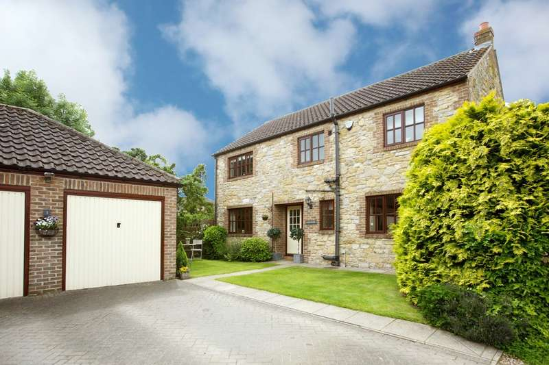 4 Bedrooms Detached House for sale in Saw Wells Court, Barkston Ash, Tadcaster, LS24