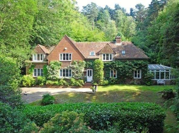 4 Bedrooms Property for sale in Stoney Bottom, Grayshott, Hindhead, Hampshire, GU26 6EH