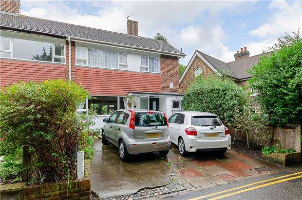 3 Bedrooms Semi Detached House for sale in Watery Lane, SW20 9AD