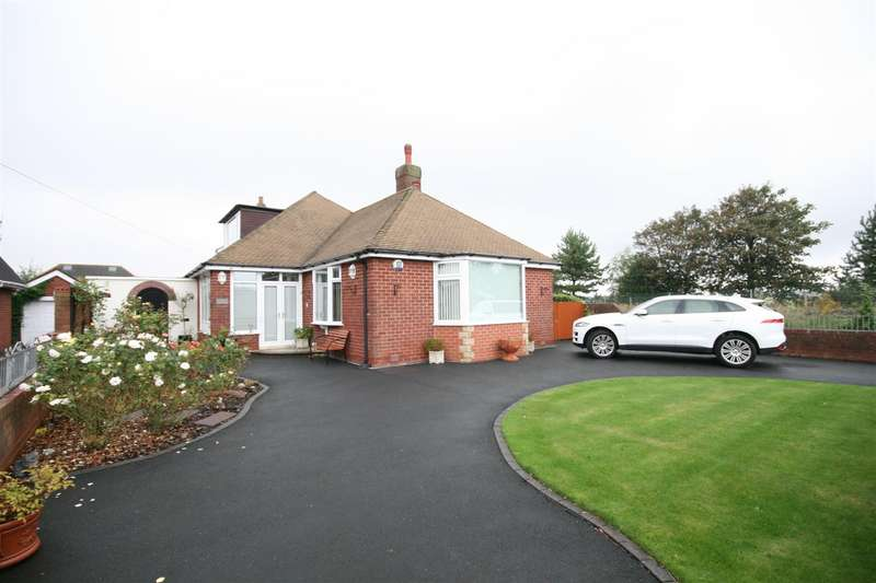 3 Bedrooms Detached Bungalow for sale in Croyde Road, Lytham St Annes