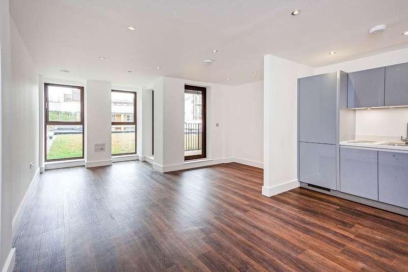 Flat for rent in Rye Lane, Peckham, London, SE15