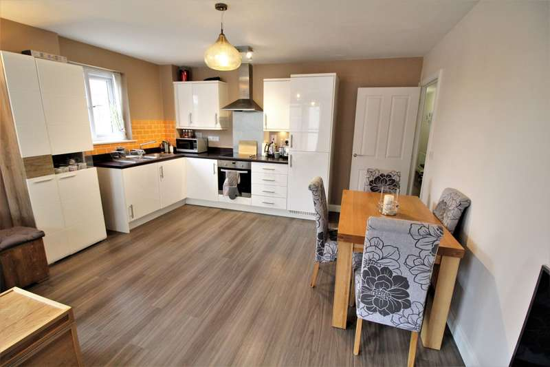 2 Bedrooms Flat for sale in Lansdowne House, Moulsford Mews, READING, RG30