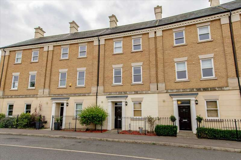 4 Bedrooms Town House for sale in Rowditch Furlong, Redhouse Park, Milton Keynes