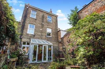 7 Bedrooms Terraced House for sale in Ely, Cambridgeshire, .