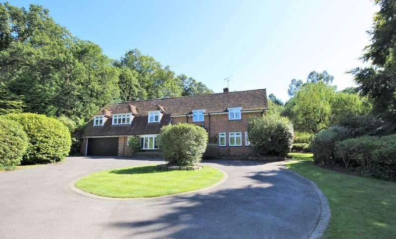 5 Bedrooms Detached House for sale in Compton Way, Moor Park, Farnham