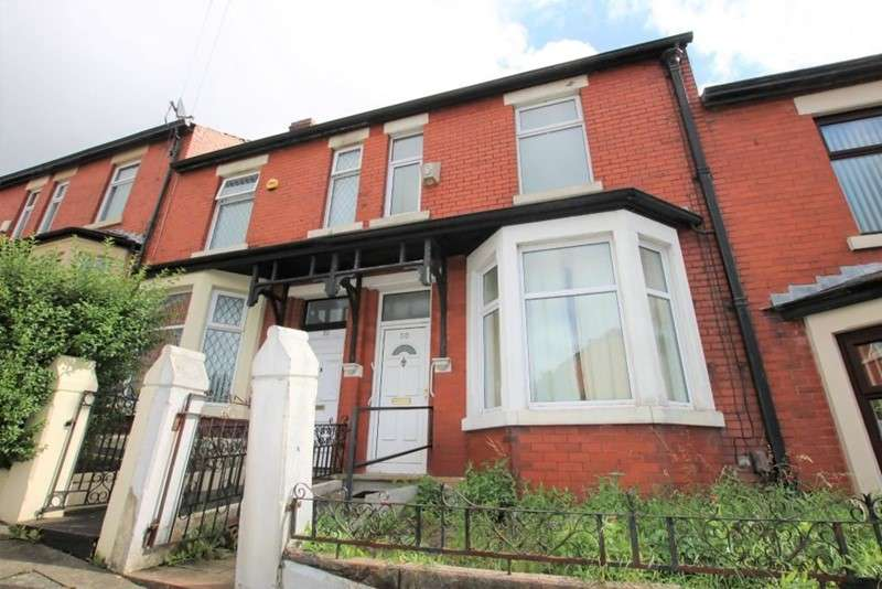 3 Bedrooms Property for sale in Carnarvon Road, Blackburn, Lancashire, BB2 6NL