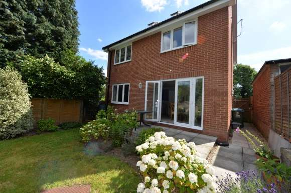 4 Bedrooms Detached House for sale in TYTHERLEY ROAD, SOUTHAMPTON SO18