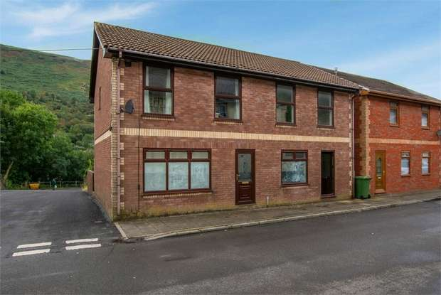 3 Bedrooms Semi Detached House for sale in Commercial Street, New Tredegar, Caerphilly