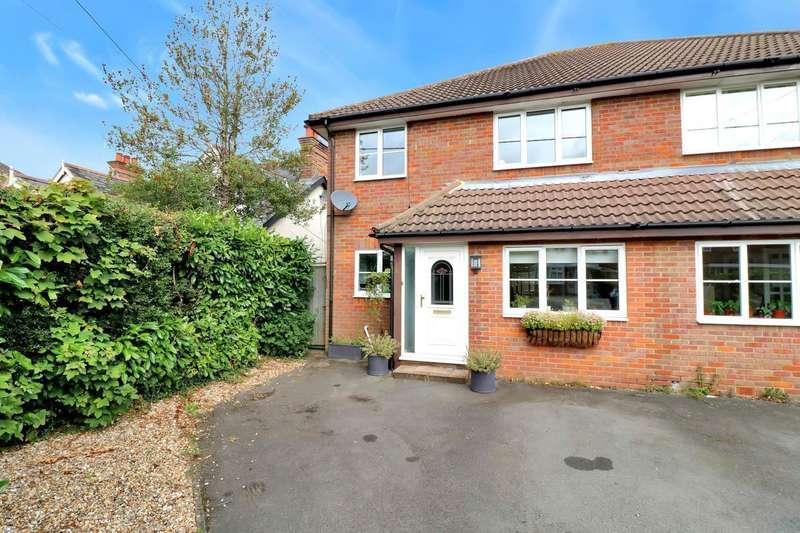 4 Bedrooms Semi Detached House for sale in Grimsdells Lane, Amersham, HP6
