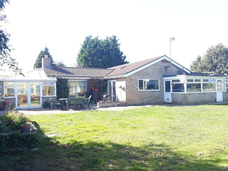 4 Bedrooms Detached Bungalow for sale in Mays Lane, Leverington, Wisbech, PE13 5BU