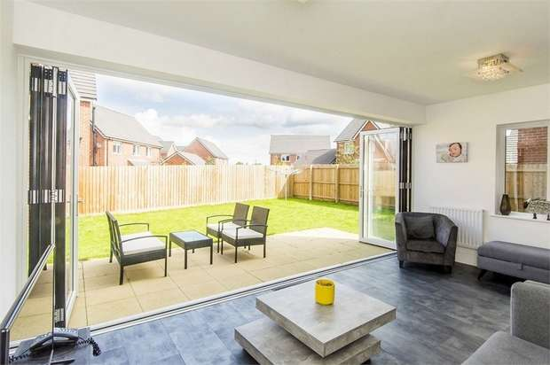 4 Bedrooms Detached House for sale in Limner Street, Market Harborough, Leicestershire