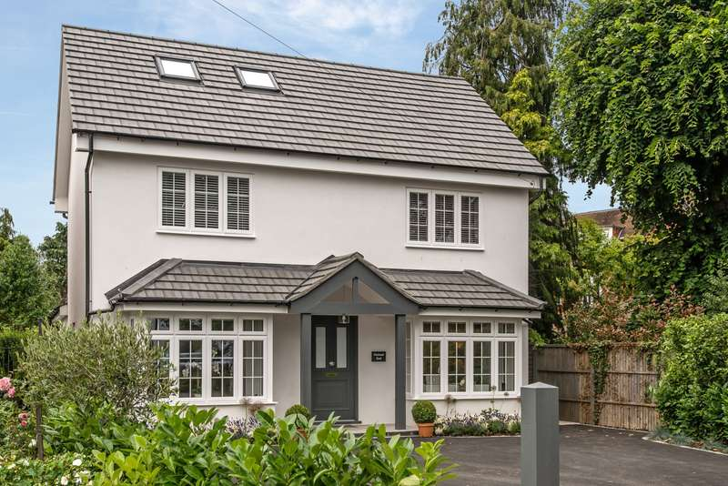 4 Bedrooms Detached House for sale in Elm Grove Road, Cobham, KT11