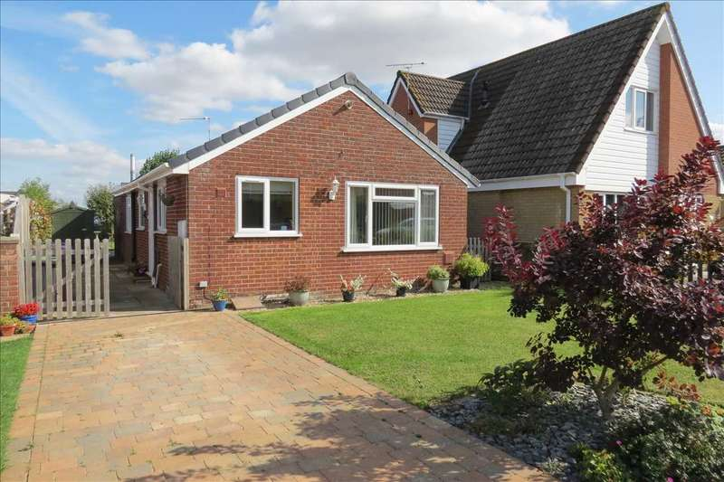 3 Bedrooms Detached Bungalow for sale in Edmunds Road, Cranwell