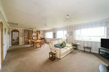 4 Bedrooms Detached House for sale in Devon