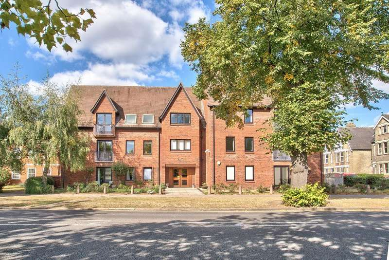 3 Bedrooms Penthouse Flat for sale in The Embankment, Bedford, MK40 3PA