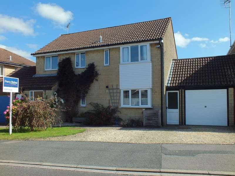 4 Bedrooms Detached House for sale in Partridge Way, Cirencester