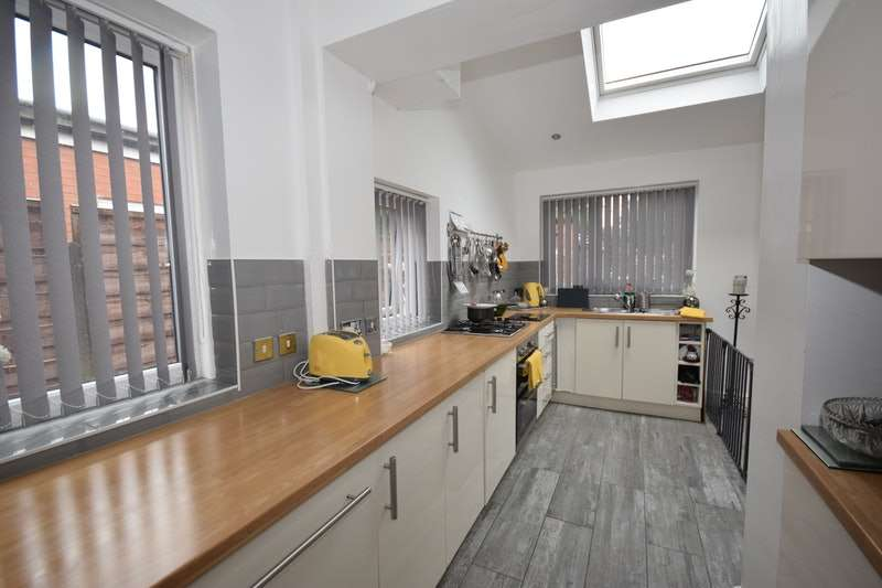 3 Bedrooms Semi Detached House for sale in Garners Lane, Stockport, Greater Manchester, SK3