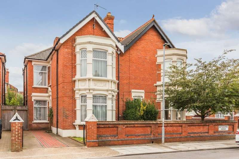 5 Bedrooms Semi Detached House for sale in Nettlecombe Avenue, Southsea, PO4