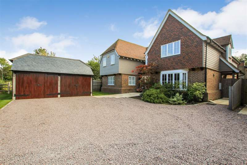 4 Bedrooms Detached House for sale in Bletchley Road, Stewkley, Buckinghamshire