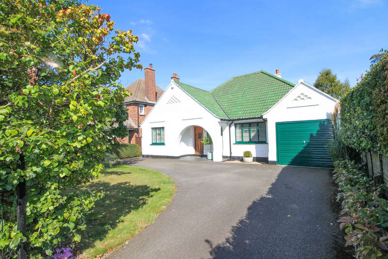 3 Bedrooms Detached Bungalow for sale in Hamilton Road, Newmarket