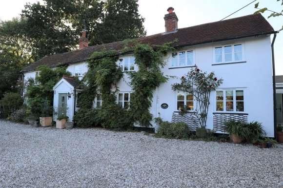 4 Bedrooms Property for sale in Heath End Road, Baughurst
