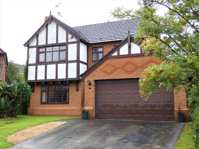 4 Bedrooms Detached House for sale in Sandalwood, Runcorn, Cheshire, WA7