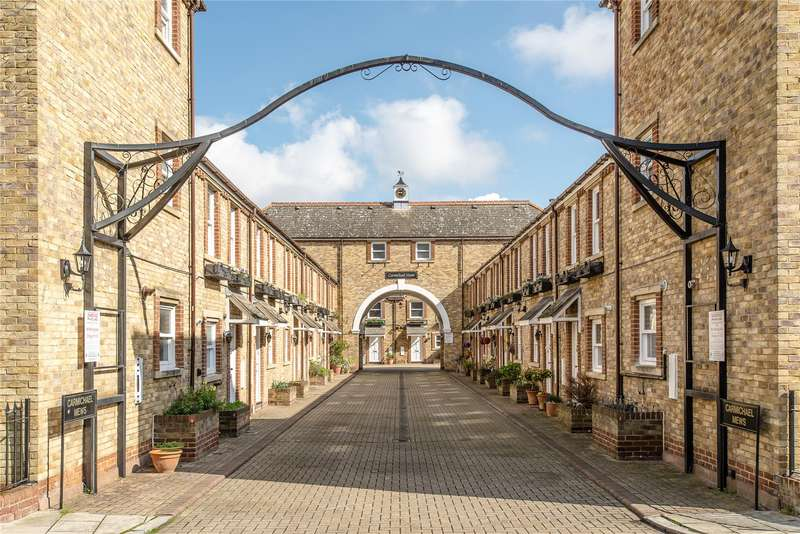 2 Bedrooms Flat for sale in Carmichael Mews, Wandsworth, London, SW18