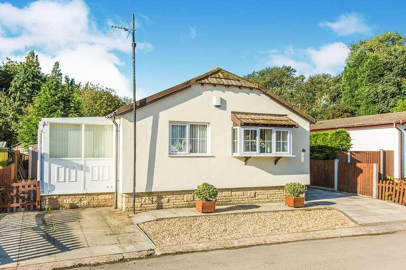 2 Bedrooms Detached Bungalow for sale in Park Road Penwortham Residential Pa, Penwortham, Preston, PR1