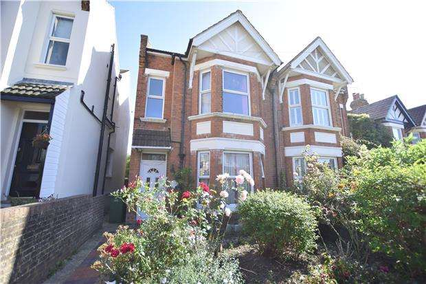 4 Bedrooms Semi Detached House for sale in Ashburnham Road, HASTINGS, East Sussex, TN35 5LJ