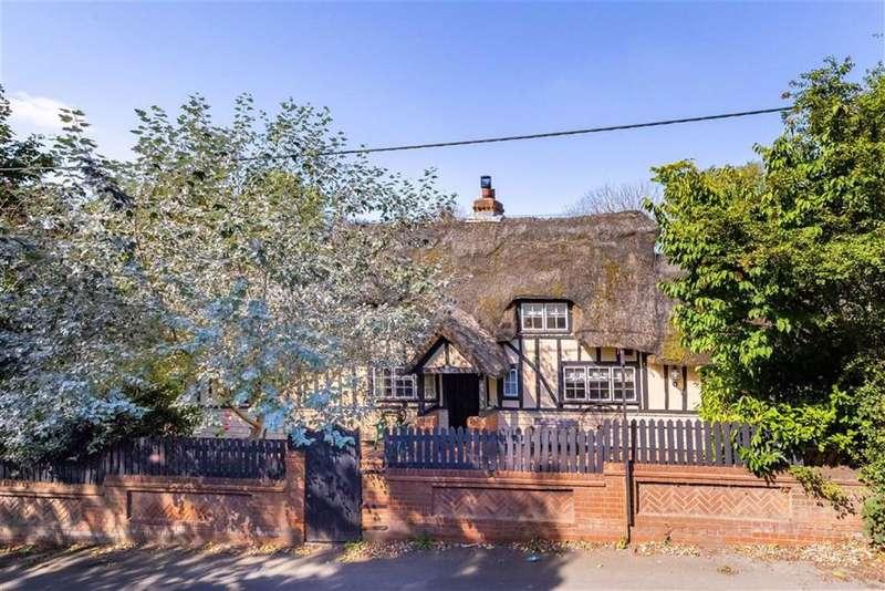 4 Bedrooms Property for sale in Noak Hill Road, Noak Hill