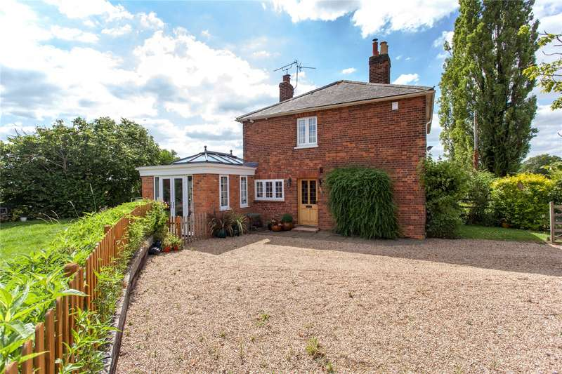 2 Bedrooms Semi Detached House for sale in Heywood Cottages, Waltham Road, White Waltham, Maidenhead, SL6