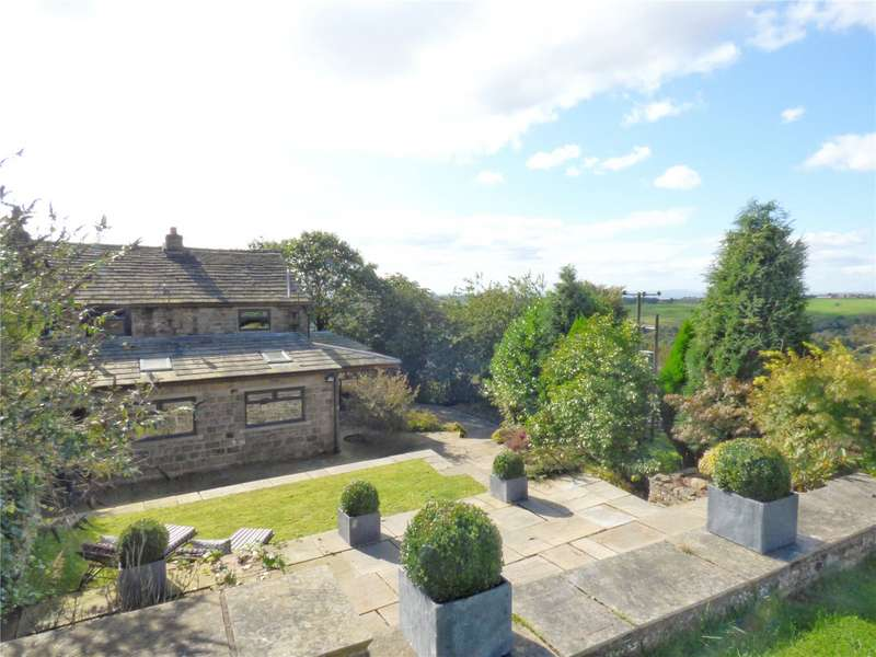 3 Bedrooms Equestrian Facility Character Property for sale in Top O'Th Meadows, Strinesdale, Oldham, Greater Manchester, OL4