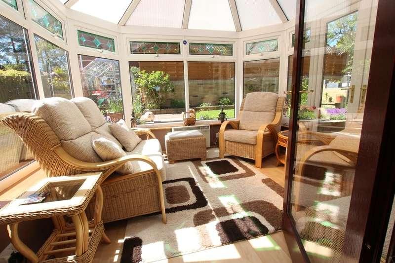 3 Bedrooms Detached House for sale in Beechwood, High Spen, Rowlands Gill, NE39
