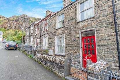 2 Bedrooms Terraced House for sale in Leeds Street, Blaenau Ffestiniog, Gwynedd, ., LL41