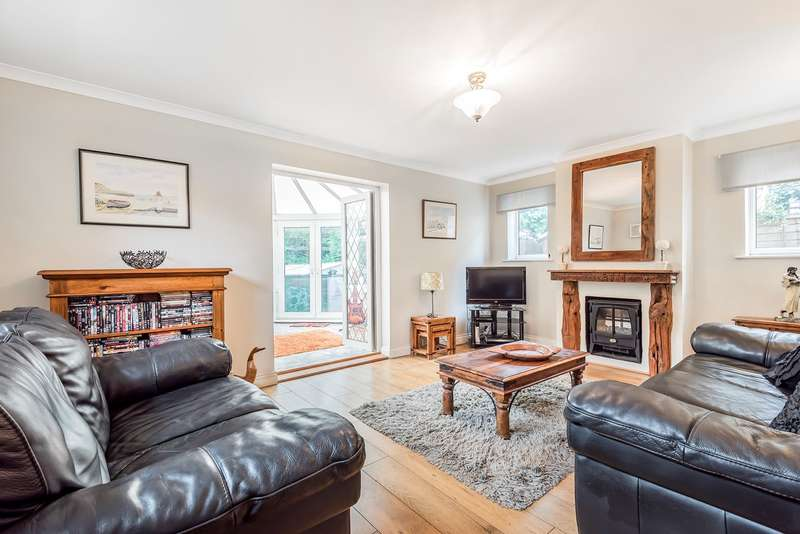 3 Bedrooms Detached House for sale in Chalton Heights, Chalton, LU4