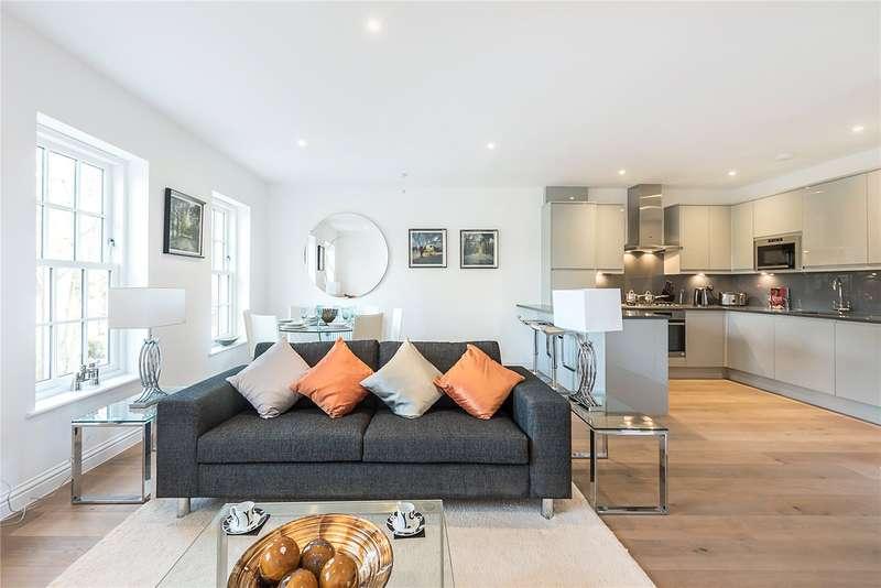2 Bedrooms Flat for sale in Station Approach, Great Missenden, Buckinghamshire, HP16